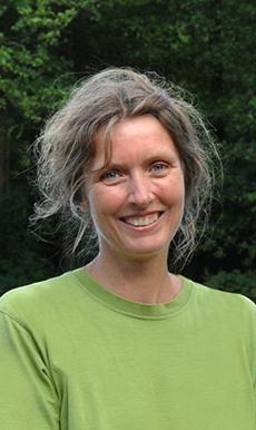 Dr. Juliane Netzer
